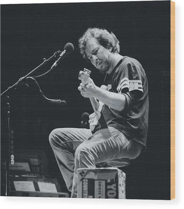 Eddie Vedder Wood Print featuring the photograph Eddie Vedder Playing Live by Marco Oliveira