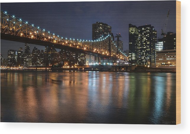 Bridge Wood Print featuring the photograph Roosevelt Island Lights by Luca Petrocchi