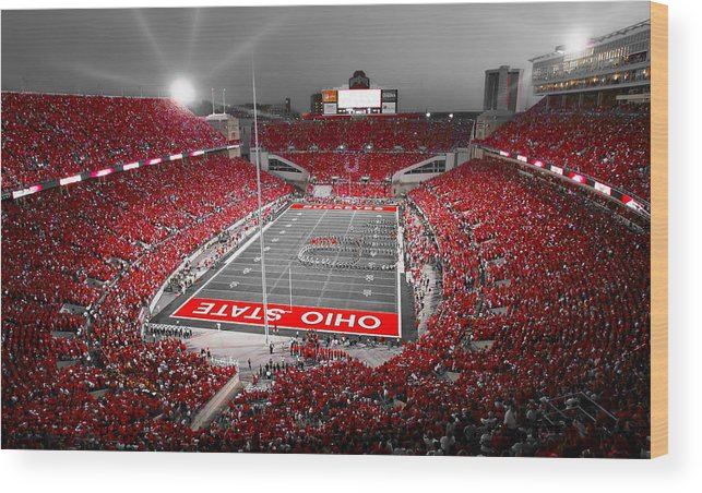 Ohio Wood Print featuring the photograph A Scarlet Stage by Kenneth Krolikowski