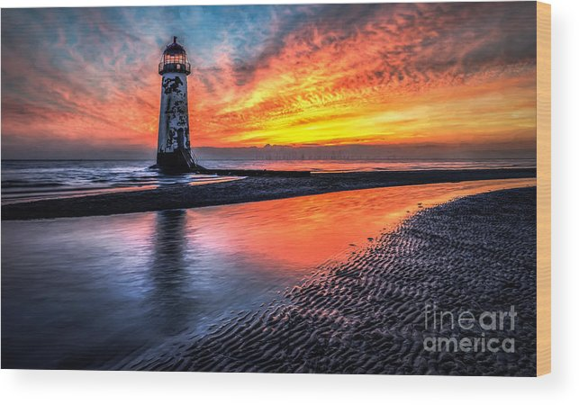 Sunset Wood Print featuring the photograph Sunset Lighthouse by Adrian Evans