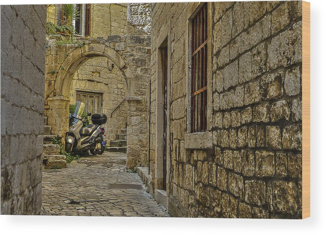 Trogir Wood Print featuring the photograph Moped Parking by Capt Gerry Hare