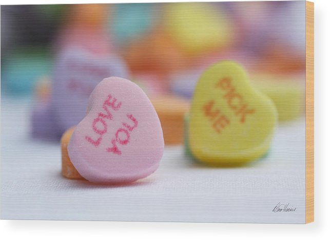 Valentines Day Wood Print featuring the photograph Pick Me by Diana Haronis