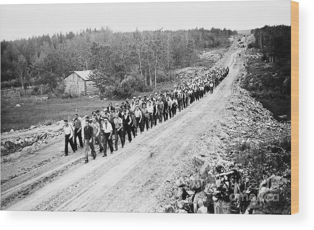 1935 Wood Print featuring the photograph Canada: Unemployed, 1935 by Granger