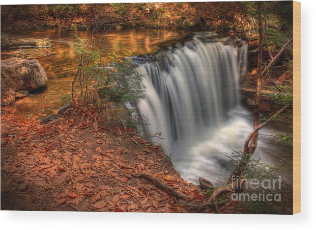 Vignette Wood Print featuring the photograph Majestic Oneida Falls by Aaron Campbell