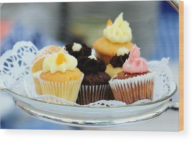 Cupcakes Wood Print featuring the photograph Mini Cupcakes 7813 by PhotohogDesigns