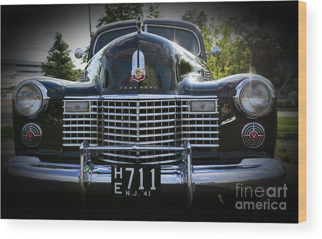 1941 Cadillac Wood Print featuring the photograph 1941 Cadillac Front End by Paul Ward