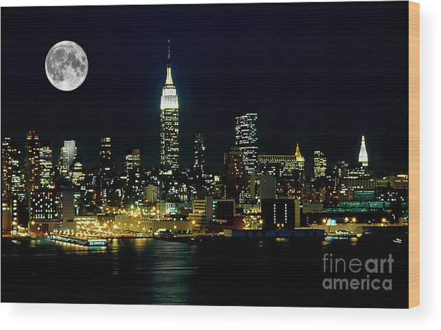 Nyc Wood Print featuring the photograph Full Moon Rising - New York City by Anthony Sacco