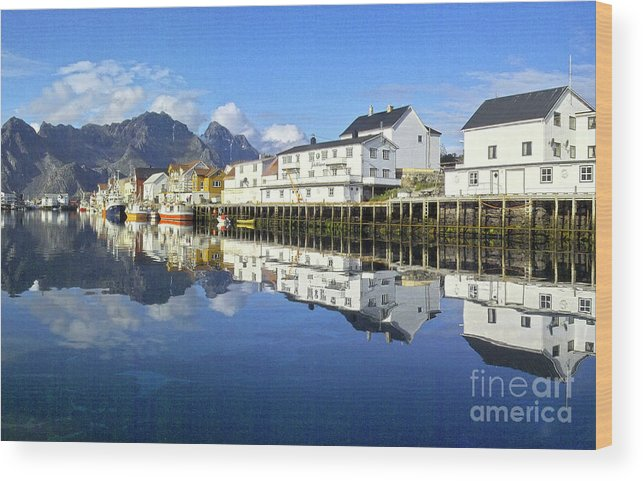 Heiko Wood Print featuring the photograph Henningsvaer Harbour by Heiko Koehrer-Wagner