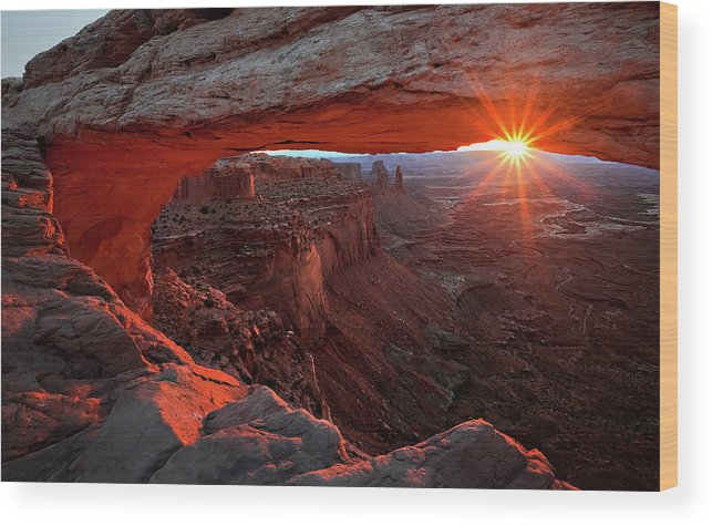 Mesa Wood Print featuring the photograph Mesa Arch Sunrise by Barbara Read