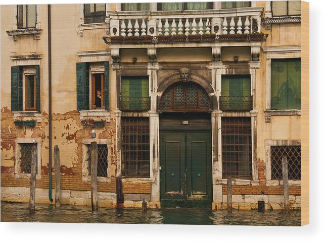 Venice Wood Print featuring the photograph Watching The World Go By by Jim Southwell