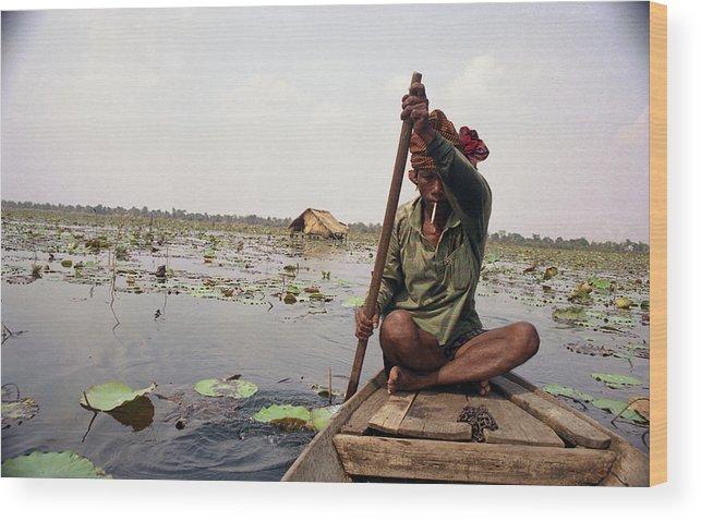 Cambodia Wood Print featuring the photograph Boatman - Battambang by Patrick Klauss