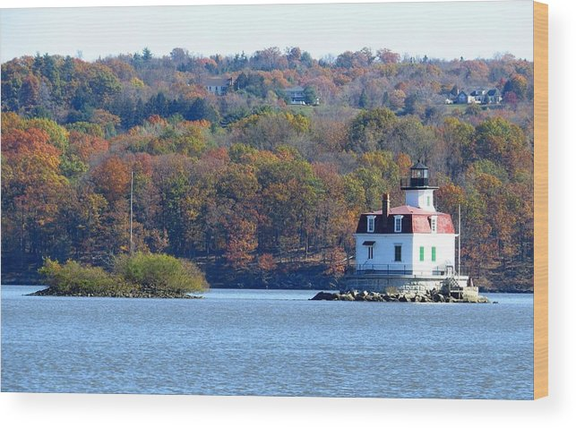 Landscape Photography Wood Print featuring the photograph Esopus Lighthouse by Norman Vedder