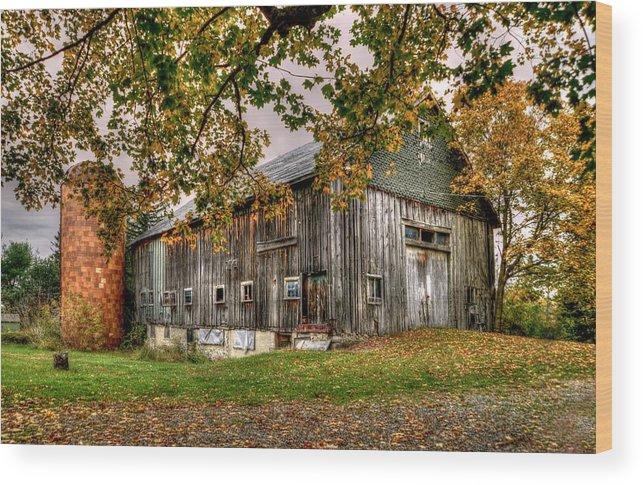 Fall House Wood Print featuring the photograph Barn House by Craig Incardone