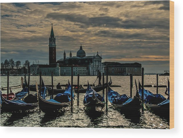 Venice Wood Print featuring the photograph O Sole Mio by Jim Southwell