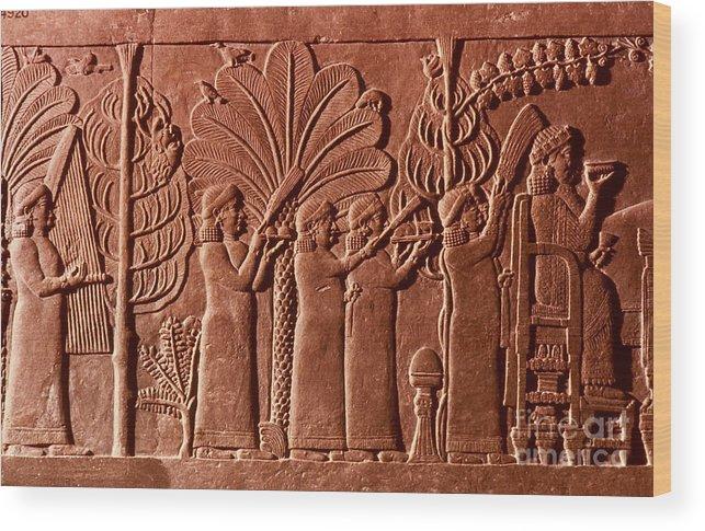 645 B.c. Wood Print featuring the photograph Assyrian Queen, 645 B.c by Granger