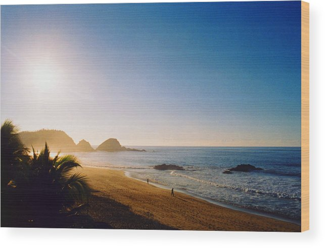 Landscape Wood Print featuring the photograph Early Morning In Zipolite 2 by Lyle Crump