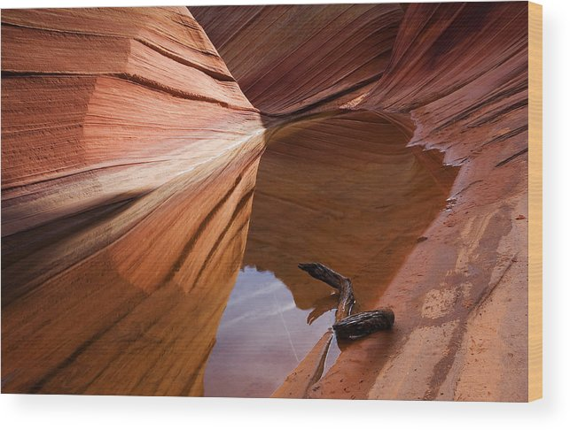 Wave Rock Wood Print featuring the photograph Eye Of The Wave by Mike Dawson