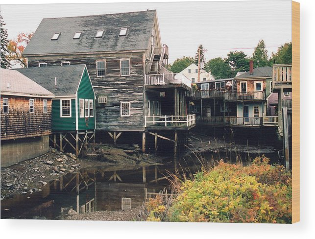 Landscape Wood Print featuring the photograph Kennebunkport At Low Tide by Robert Gladwin