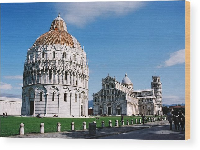 Italy Wood Print featuring the photograph Pisa by Kathy Schumann