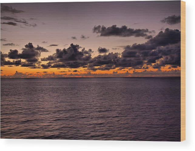 Pacific Wood Print featuring the photograph At Sea Sunset by Joe Fernandez