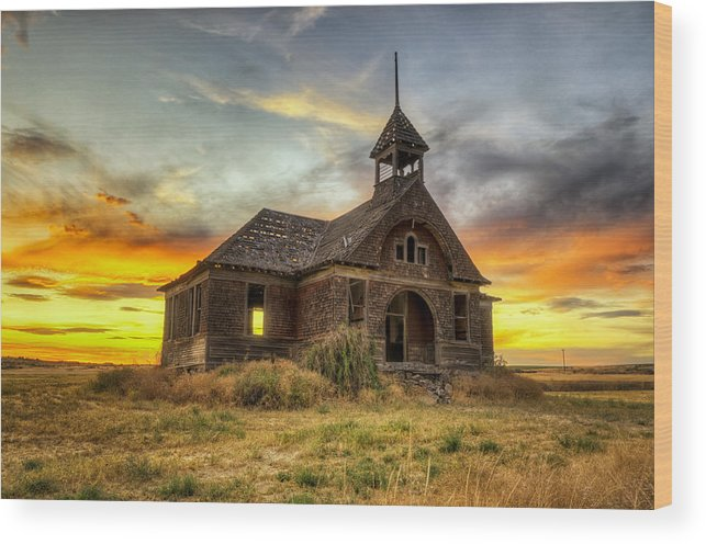 Hdr Wood Print featuring the photograph Govan Schoolhouse by Michael Gass