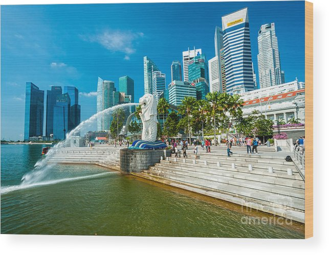 Night Wood Print featuring the photograph The Merlion Fountain - Singapore by Luciano Mortula