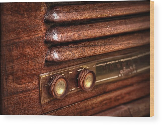 Vintage Wood Print featuring the photograph 1948 Mantola Radio by Scott Norris