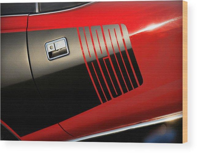 Red Wood Print featuring the photograph 1971 Hemi 'cuda by Gordon Dean II