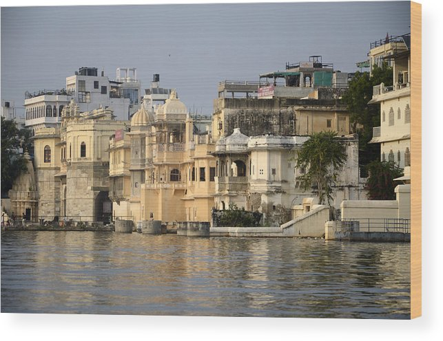Wood Print featuring the photograph Lake Pichola by Virginie Vanos
