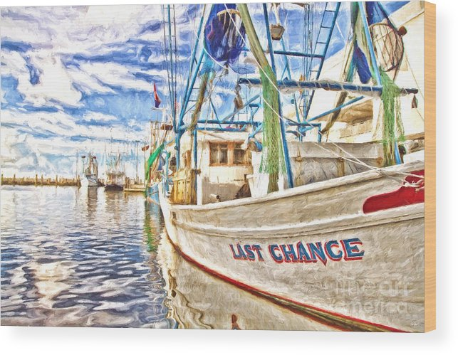Last Chance Wood Print featuring the photograph Last Chance - Hdr by Scott Pellegrin