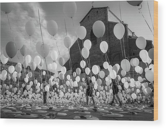 Balloons Wood Print featuring the photograph Balloons For Charity by Giorgio Lulli