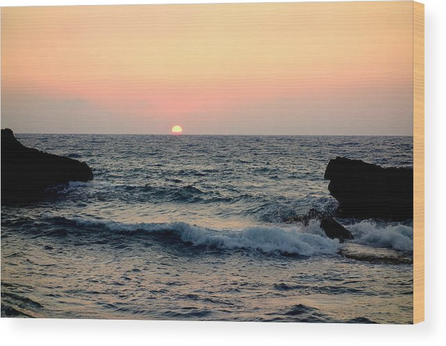 Sea Wood Print featuring the photograph Come Down To The Sea To See The Wonder by Hilde Widerberg