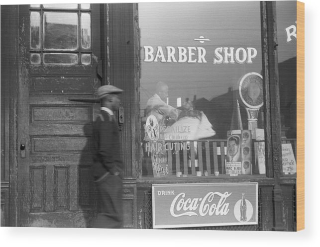 1941 Wood Print featuring the photograph Chicago Barber Shop, 1941 by Granger