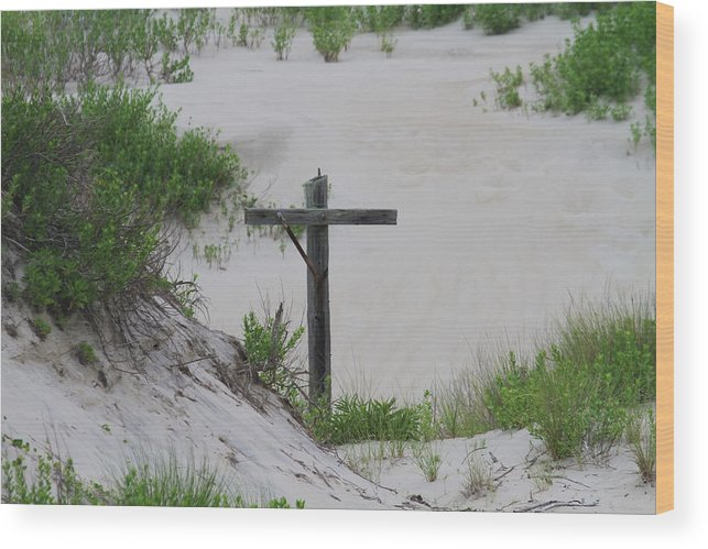 Dune Wood Print featuring the photograph Cross In The Dunes by Cathy Lindsey