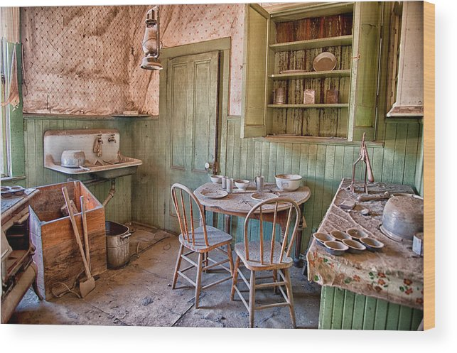 Kitchen Wood Print featuring the photograph Dinner Time by Cat Connor