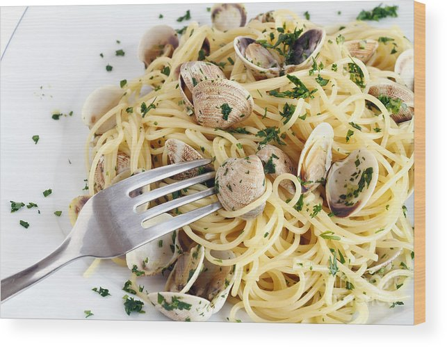 Appetizer Wood Print featuring the photograph Dish Of Spaghetti With Clams by Antonio Scarpi