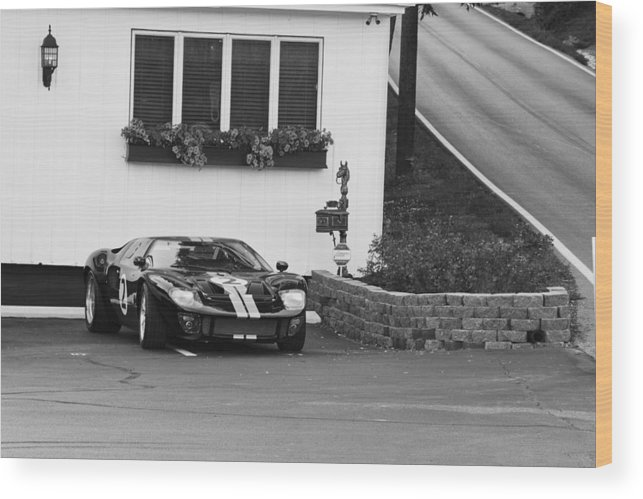 Ford Gt Wood Print featuring the photograph Ford Gt by William Crenshaw