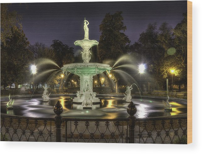 Forsyth Wood Print featuring the photograph Forsyth Fountain At Night by Kip Pears