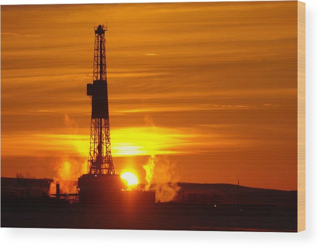 Oil Rigs Wood Print featuring the photograph Frontier Nineteen Xto Energy Culbertson Montana by Jeff Swan