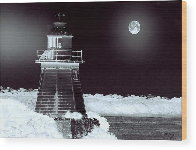 Landscapes Wood Print featuring the photograph Guiding Lights by Holly Kempe