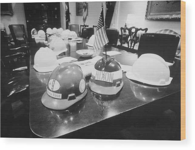 History Wood Print featuring the photograph Hard Hats In The Nixon White House by Everett