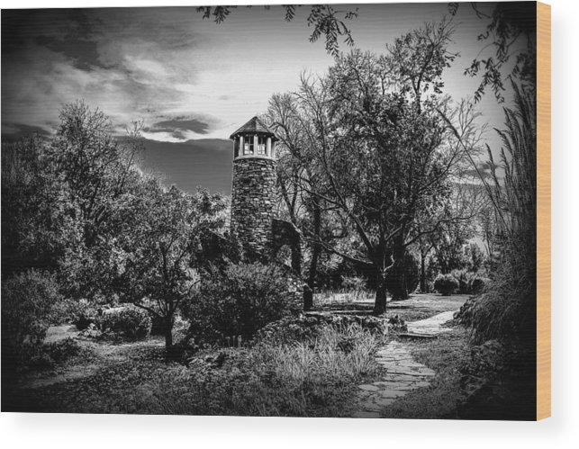 Lighthouse Wood Print featuring the photograph Inland Lookout by Tammy Howell