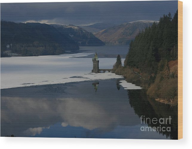 Wales Wood Print featuring the photograph Lake Vyrnwy by Andy Mercer