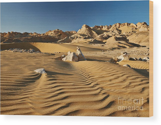 Fotografie Wood Print featuring the photograph Landscape With Mountains In Egyptian Desert by Juergen Ritterbach