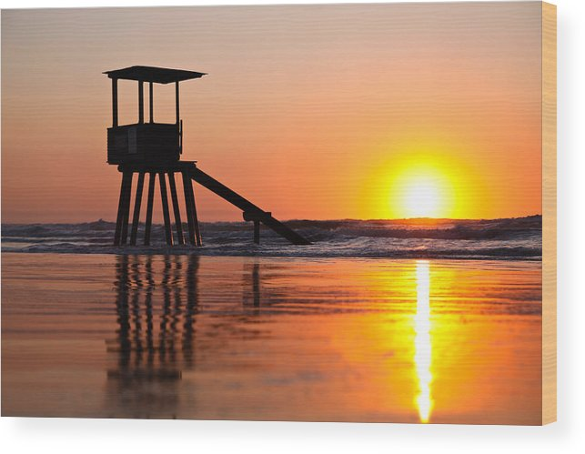 Scenic Wood Print featuring the photograph Lifeguard Stand In A Texas Sunrise by Brenda Boyer