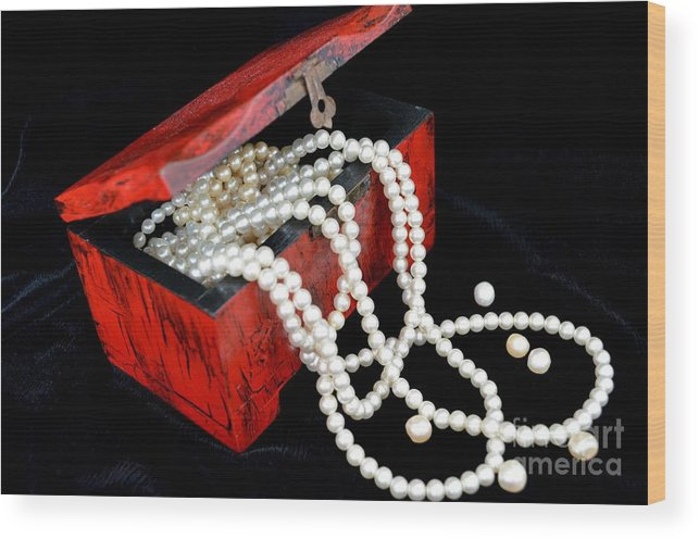 Box Wood Print featuring the photograph Little Red Box by Mary Deal