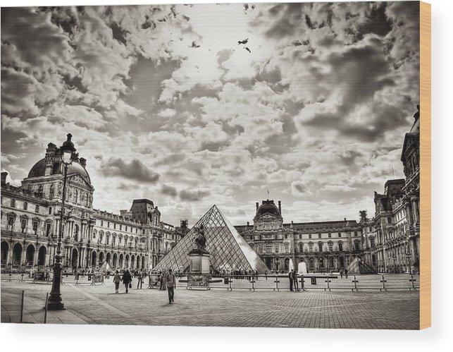 Museum Wood Print featuring the photograph Louvre by Juan Gabriel Maldonado