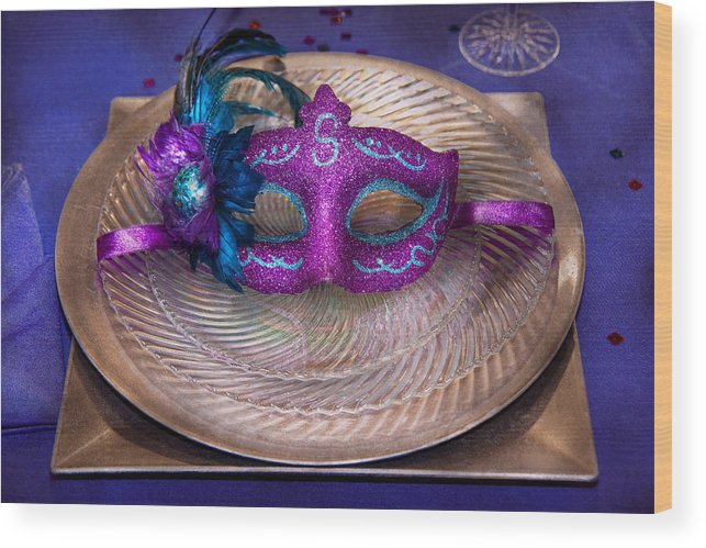 Mardi Gras Wood Print featuring the photograph Mardi Gras Theme - Surprise Guest by Mike Savad