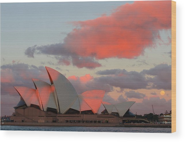 Sydney Wood Print featuring the photograph Moonrise - Sydney Opera House by Andre Distel