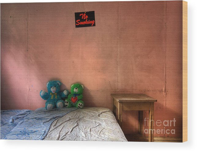 Borscht Belt Wood Print featuring the photograph No Smoking by Rick Kuperberg Sr